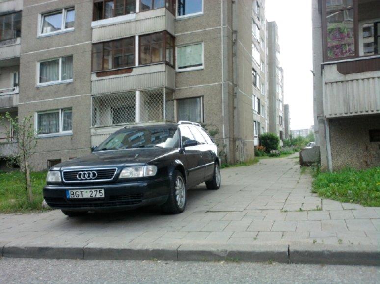 """Etatinis pažeidėjas su """"Audi A6"""""""