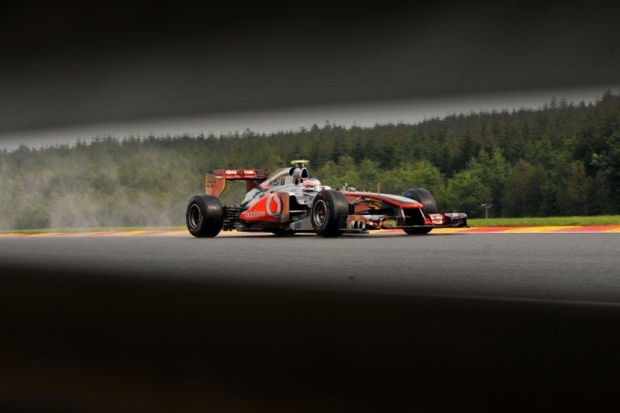 "Jensonas Buttonas, ""McLaren"""