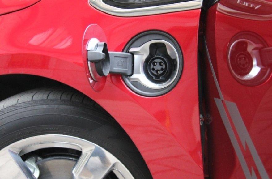 "Pirmasis serijinis elektromobilis – ""Chevrolet Volt"""