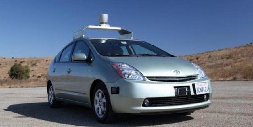 """Google"" bandomas ""Toyota Prius"""