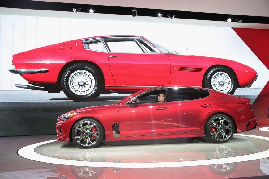 """Scanpix"" nuotr./""KIA Stinger"" pristatomas Detroito automobilių parodoje"