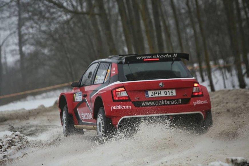 """""""Martin Sport"""" nuotr./Martynas Samuitis ir Ramūnas Šaučikovas kvalifikaciniame """"Halls Winter Rally"""" greičio ruože"""