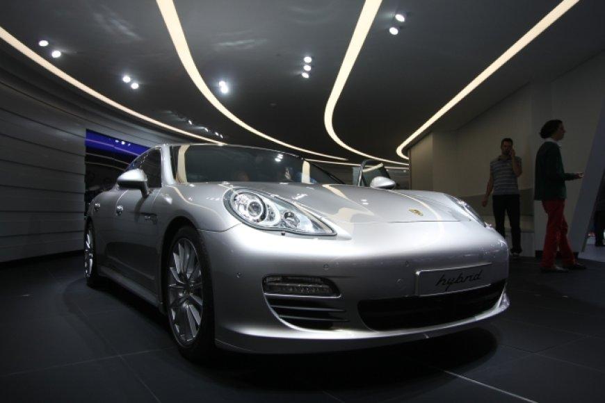 """Porsche Panamera hybrid"""