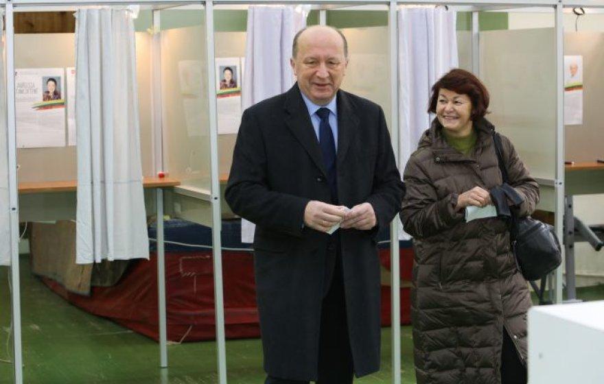 A.Kubilius balsavo Seimo rinkimuose.