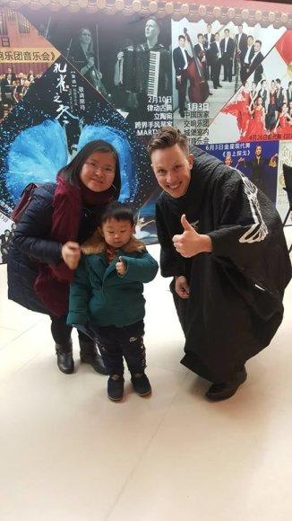Asmeninio albumo nuotr./Martyno Levickio gastrolių Kinijoje akimirka