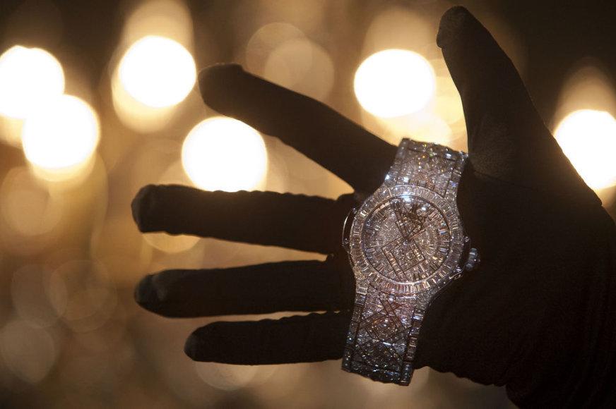 Šveicarijoje sukurtas laikrodis, kainuojantis 12,5 mln. litų