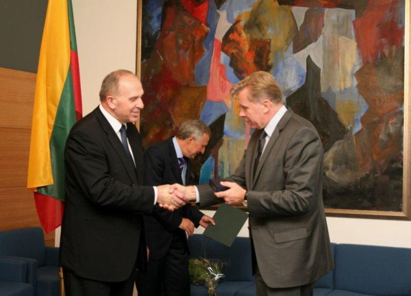 R.Motūzas, Petras Anušas, A.Ažubalis