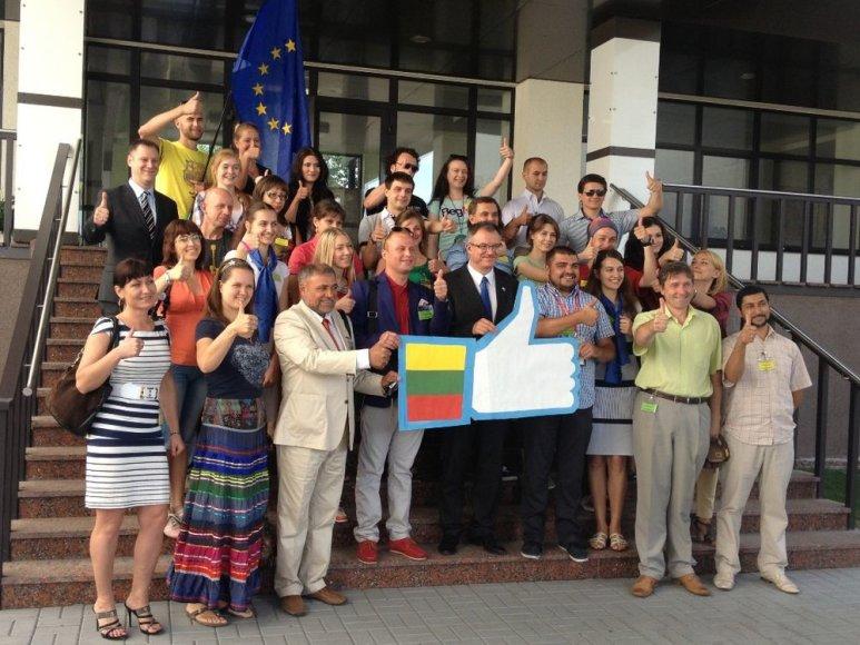 Kijeve pirmininkavimo pradžios proga iškilmingai sutikta ir į Lietuvą išlydėta apie 30 jaunimo atstovų grupė iš įvairių Ukrainos regionų.
