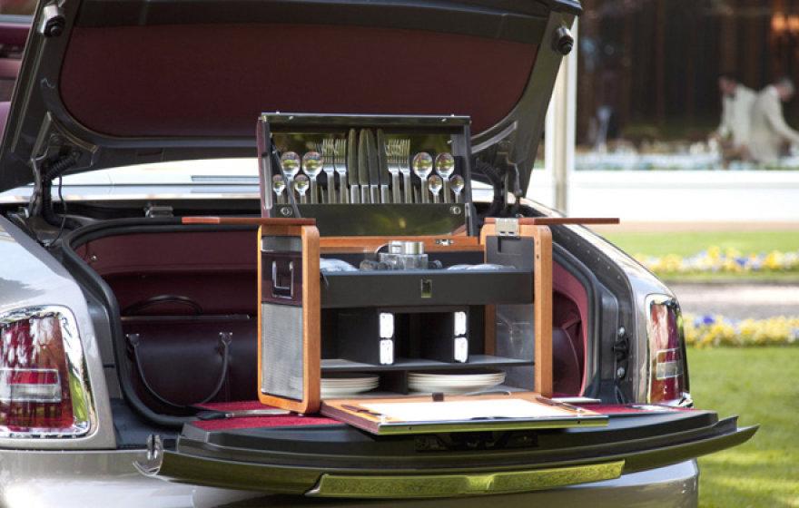 """Pagal specialų užsakymą atliekami """"Rolls-Royce"""" darbai"""