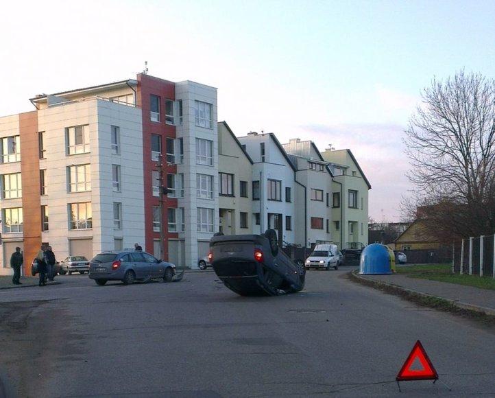 Avarija Kaune, Apuolės gatvėje