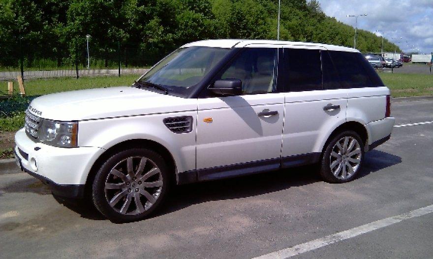 """Medininkų punkte sulaikytas 2008 metais pagamintas """"Range Rover Sport""""."""
