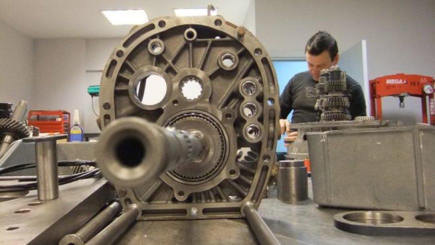 """""""Samsonas Motorsport"""" pavarų dėžių gamykla"""