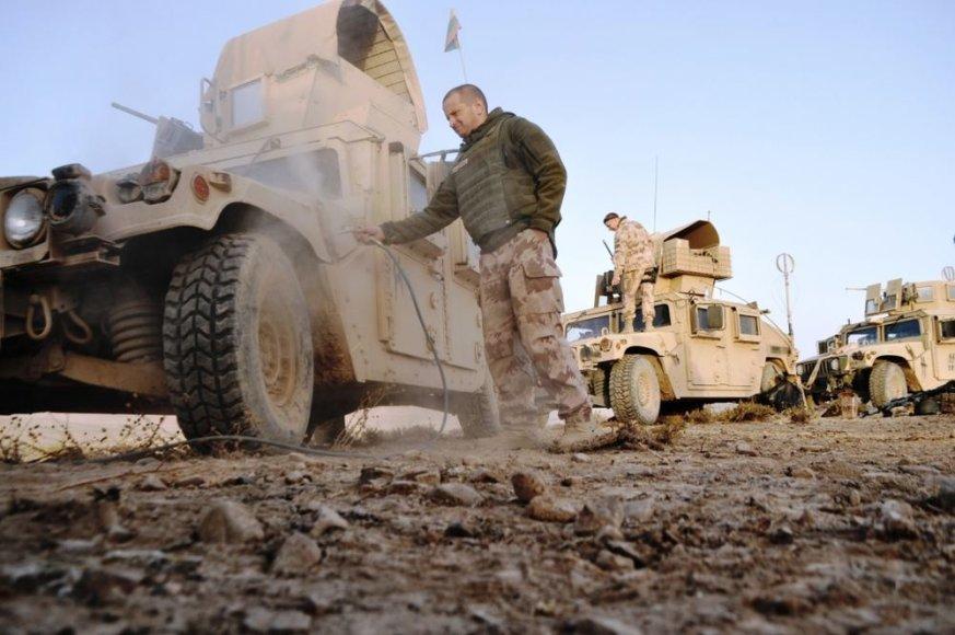 Lietuvos karių misija Afganistane: gyvenimas šarvuotyje