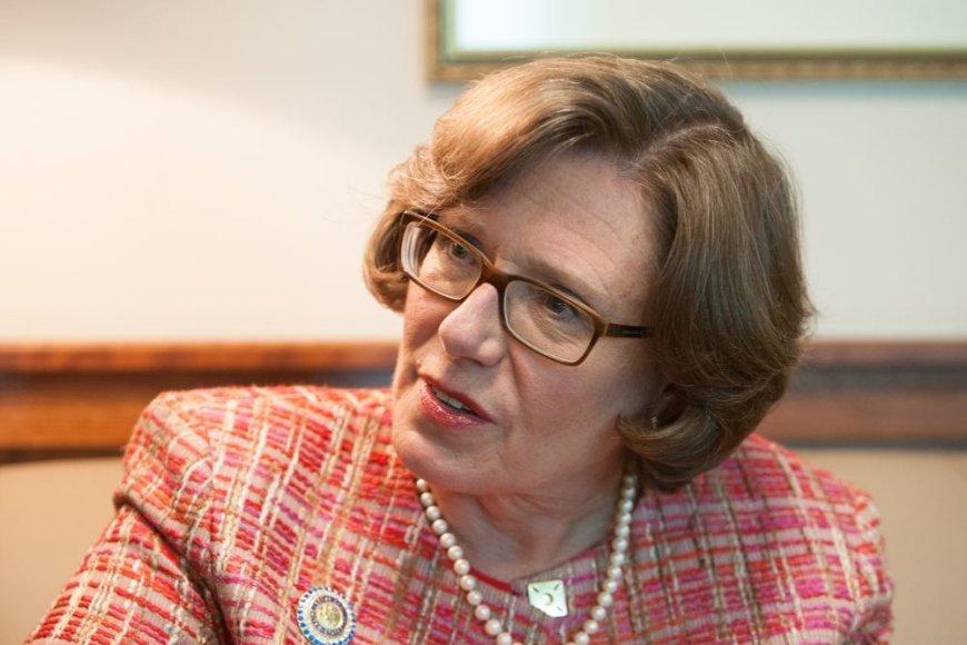 Anne E. Derse