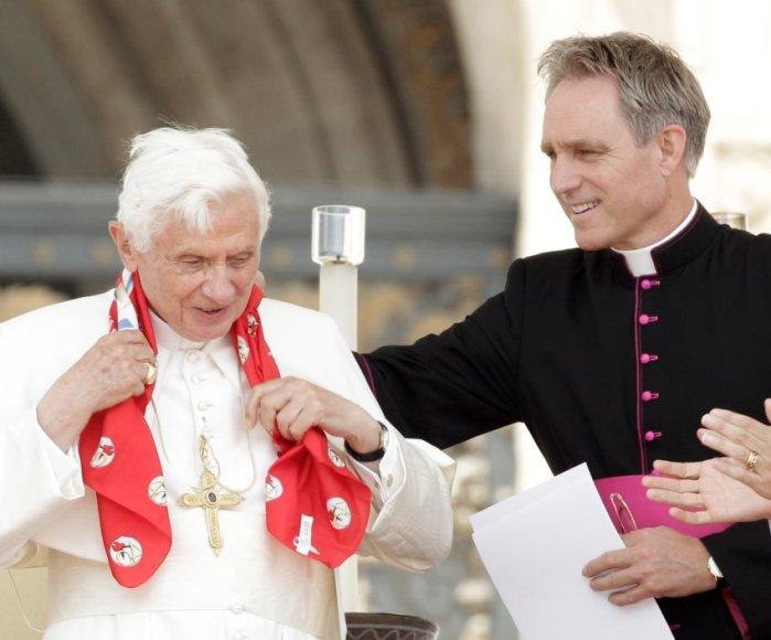 Popiežius Benediktas XVI ir jo dokumentus pavogęs bei paviešinęs Paolo Gabriele