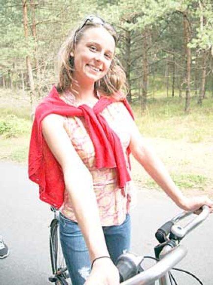 Ireną Rimkutę tėvai išsivežė į JAV, kai jai tebuvo devyni mėnesiai. .