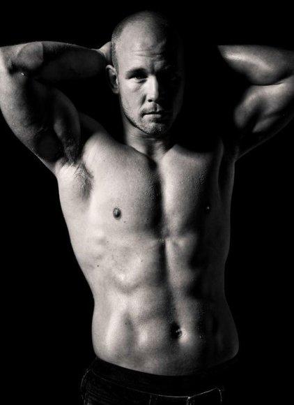 Мужское тело. Фото иллюстративное.