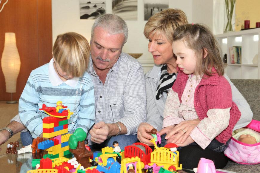 Воспитание у дедушек и бабушек