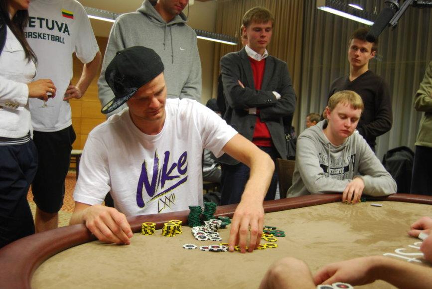Renaldas Seibutis prieš pokerio stalo / 15min.lt nuotr.