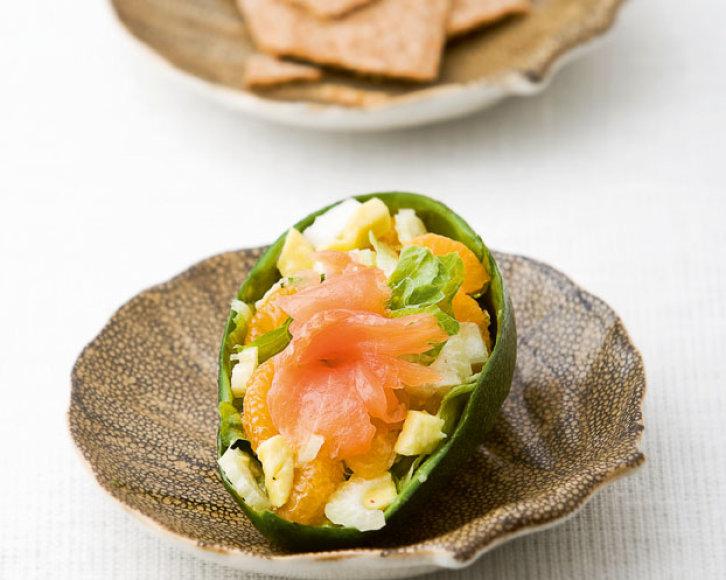 Avokadų salotos su lašiša