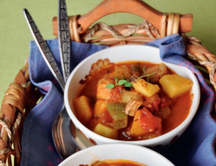 Mėsiška sriuba guliašas