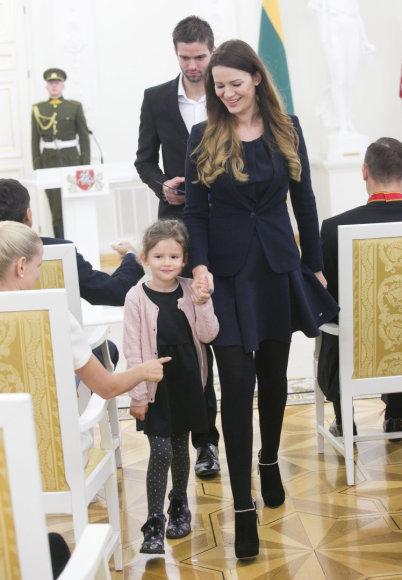 Luko Balandžio/15min.lt nuotr./Mingailė Kalnietė su dukra Grete