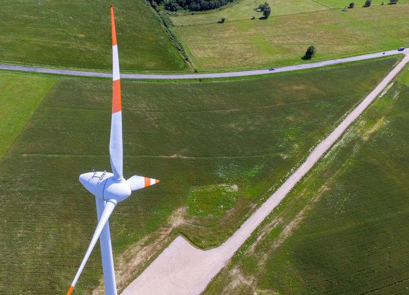 Luko Balandžio / 15min nuotr./Kelius, vedančius iki Aivaro Stumbro vėjo jėgainių, tiesė Kęsto Komskio kontroliuojamas verslas.