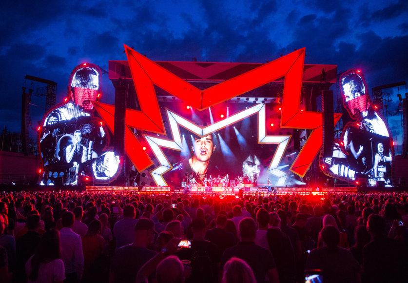 Luko Balandžio / 15min nuotr./Robbie Williamso koncerto akimirka