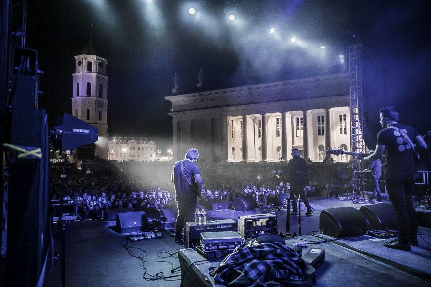Viganto Ovadnevo/Žmonės.lt nuotr./Andriaus Mamontovo koncertas Katedros aikštėje