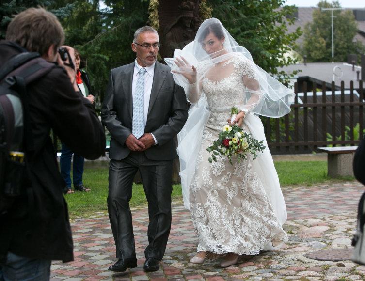 Gretos Skaraitienės/Žmonės.lt nuotr./Donatos Vištartaitė ir Jono Karaliaus vestuvių akimirka