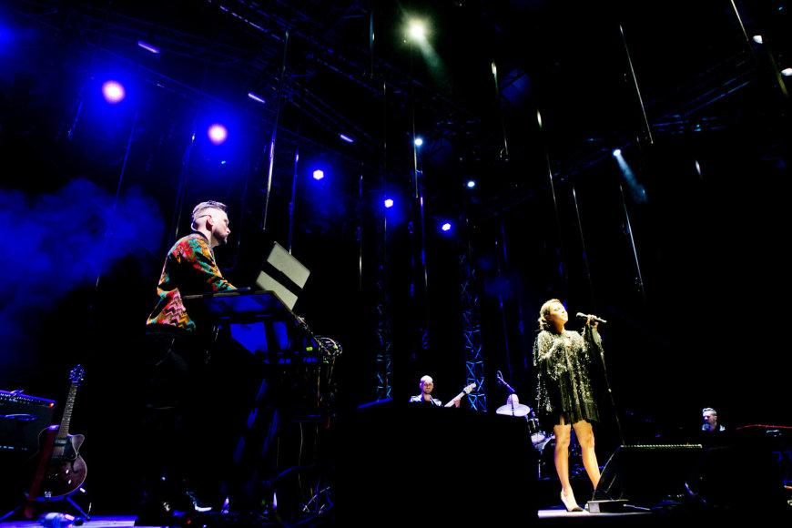 """Gretos Skaraitienės/Žmonės.lt nuotr./ """"Leon Somov & Jazzu"""" koncerto akimirka"""