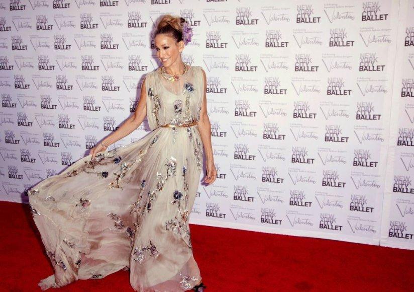 """Valentino"" suknelę vilkinti Sarah Jessica Parker"