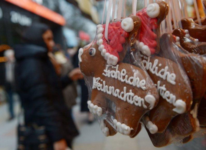 Viena populiariausių apsipirkimo vietų Londone - Regento gatvė sausakimša kalėdinių dovanų ieškotojų.
