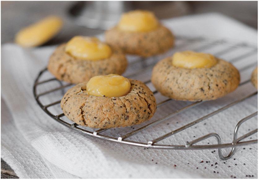 Sausainiai su aguonomis ir citrinų kremo lašeliais