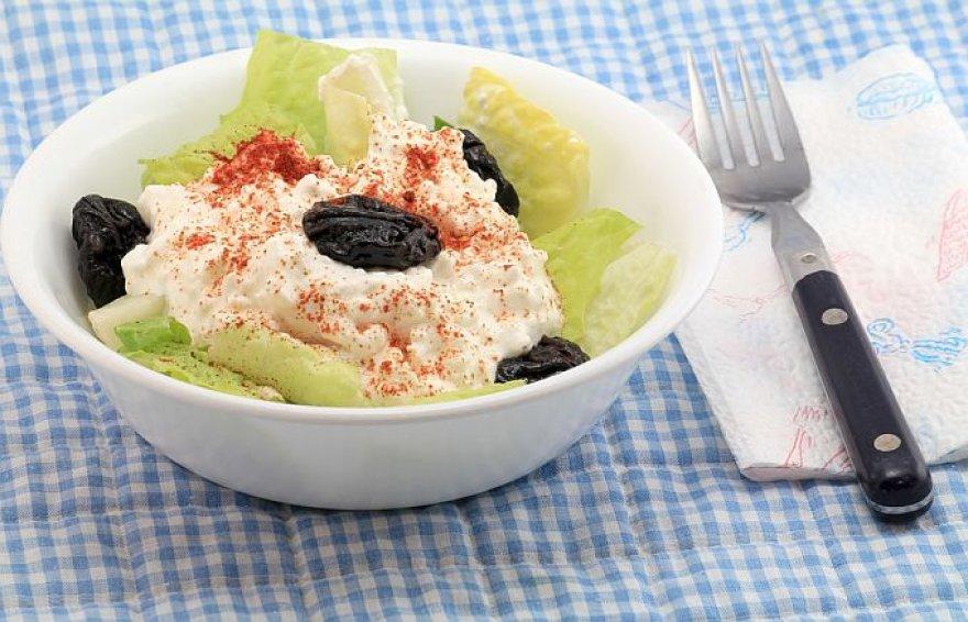 Grūdėtosios varškės ir avokadų salotos