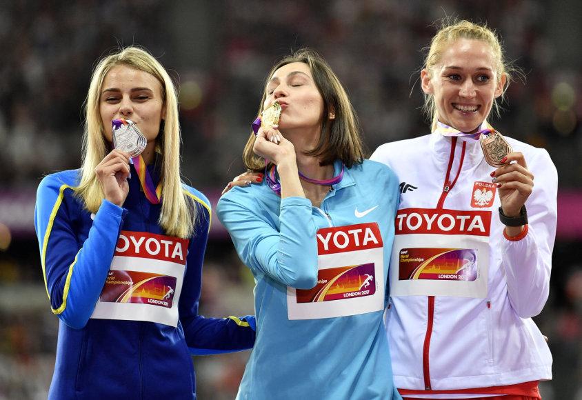 """""""Reuters""""/""""Scanpix"""" nuotr./Julija Levčenka, Marija Lasickienė ir Kamila Licwinko"""