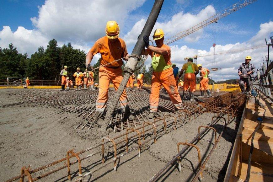 Pradėta betonuoti ilgiausia estakada Vilniaus pietiniame išoriniame aplinkkelyje