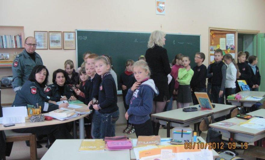 Kauno policijos pareigūnai susitiko su moksleiviais