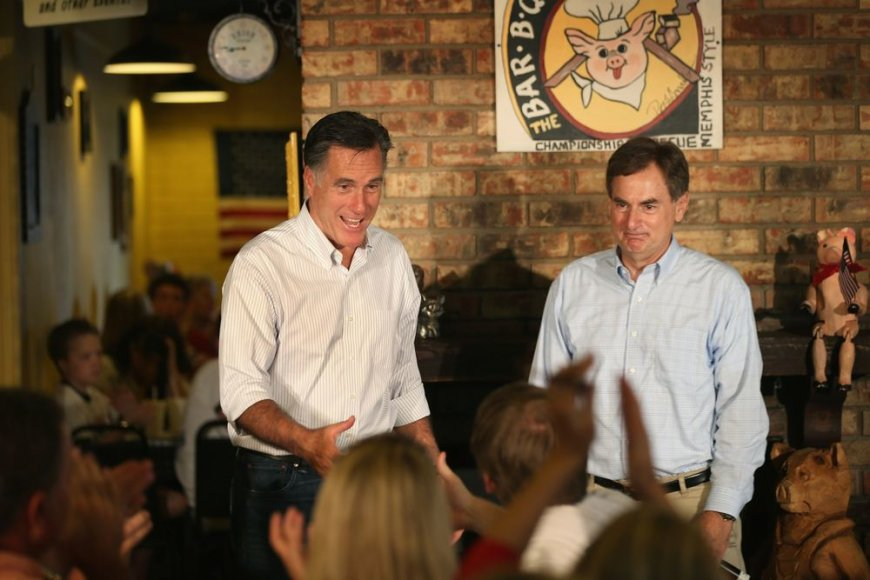 Kandidatas į prezidentus Mittas Romney ir Richardas Mourdockas