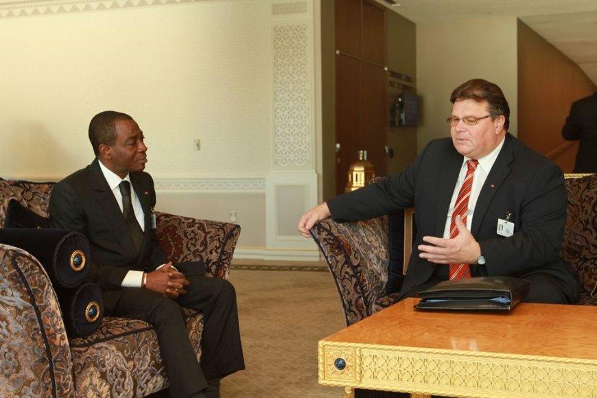 Linas Linkevičius su Dramblio Kaulo Kranto ministru Charles Koffi Diby