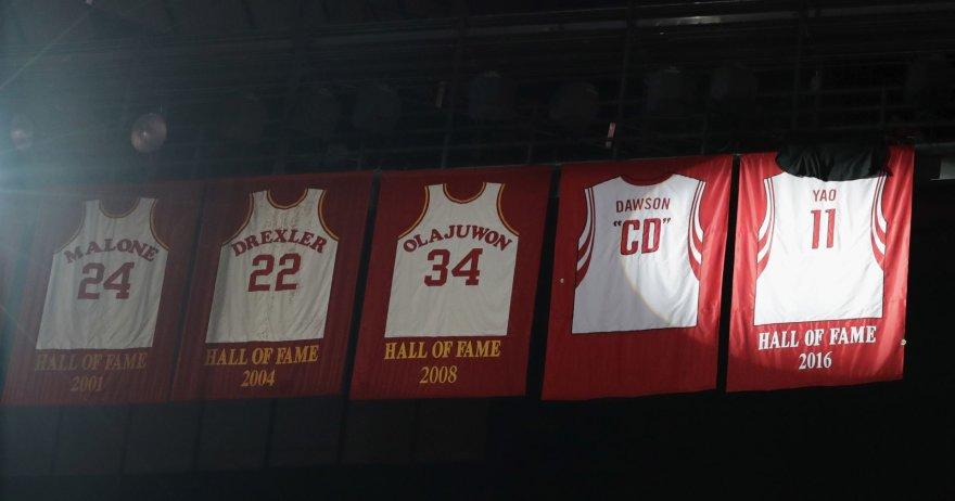"""Yao Mingo marškinėliai """"Rockets"""" arenoje"""
