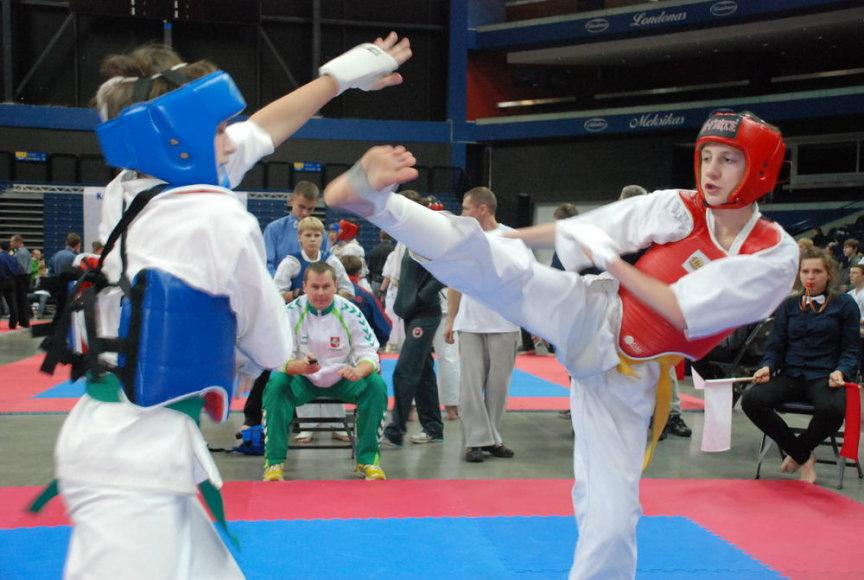 """Jaunieji Kiokušin karatė kovotojai savaitgalį kovos dėl """"Siemens"""" įsteigtos taurės."""