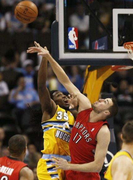 """Jonas Valančiūnas mače su """"Nuggets"""" pelnė 7 taškus."""