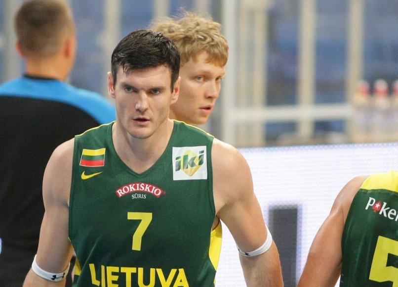 Akropolio taurės mačas tarp Lietuvos ir Italijos krepšinio rinktinių – Darjušas Lavrinovičius