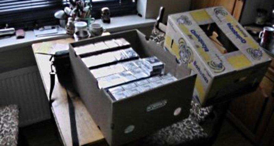 Kartoninėse dėžėse rastos kontrabandinės cigaretės