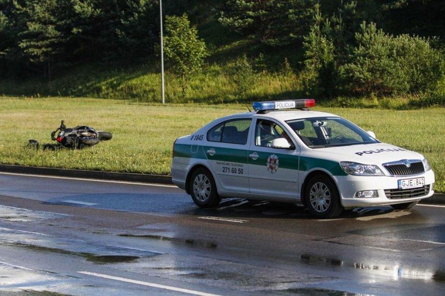 Motorolerio ir automobilio avarija Vilniuje