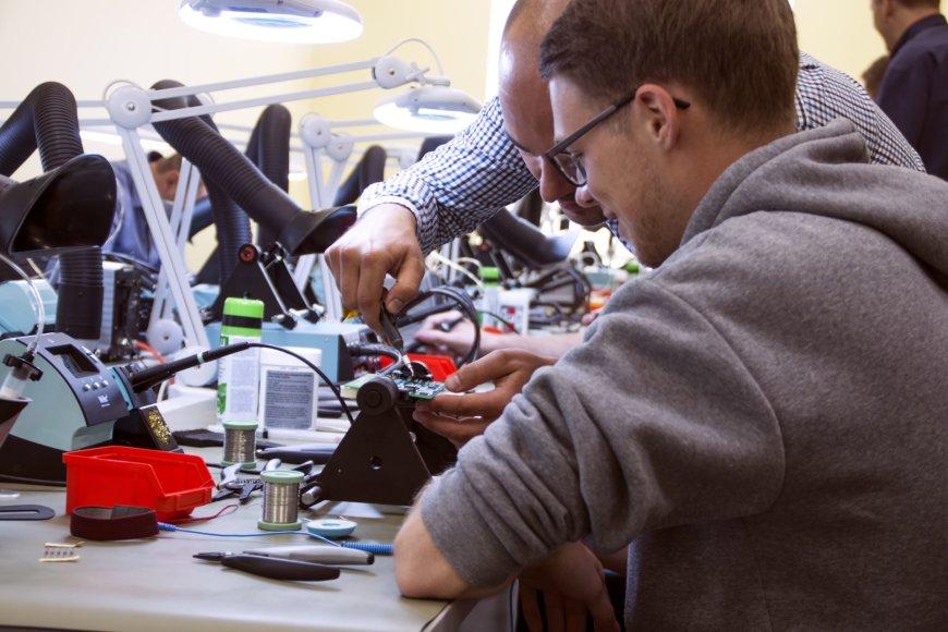 Projekto partnerio nuotr./Elektros montažo laboratorija