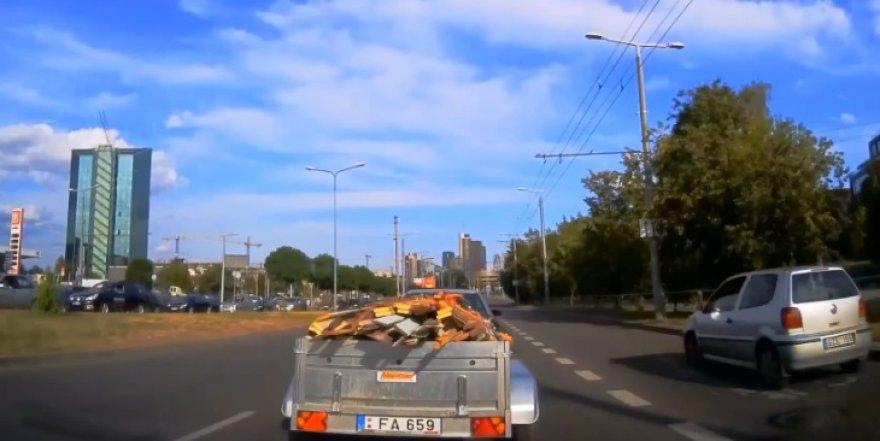 Važiavimas autobusų juosta