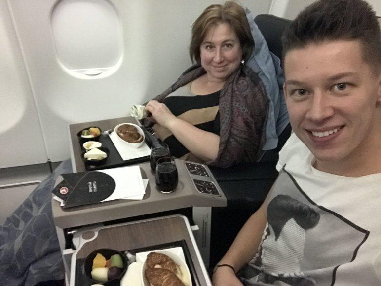 Asmeninio albumo nuotr./Rimvydas Širvinskas su mama Violeta