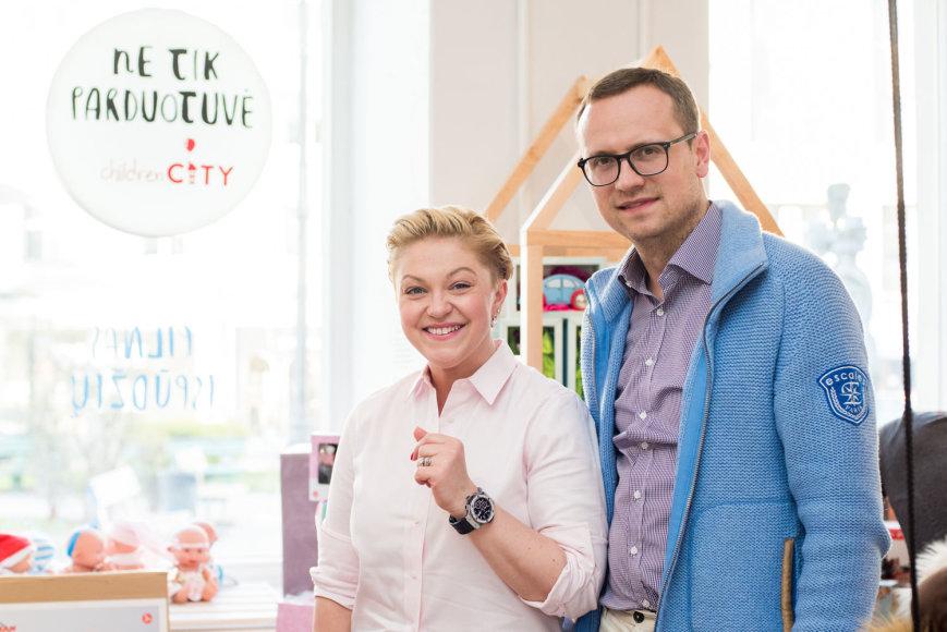 """Renginio """"8 minutė"""" organizatorių nuotr./Agnė Grigaliūnienė su vyru Simonu"""